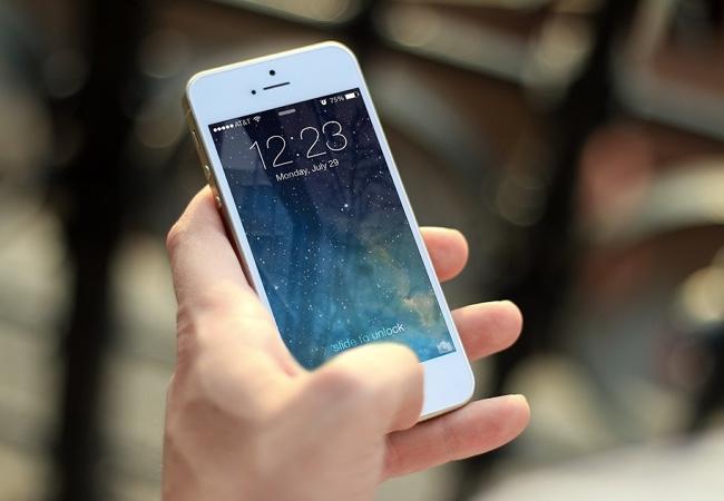 """""""Nevinný podvod"""" s iPhonem na bazoši"""