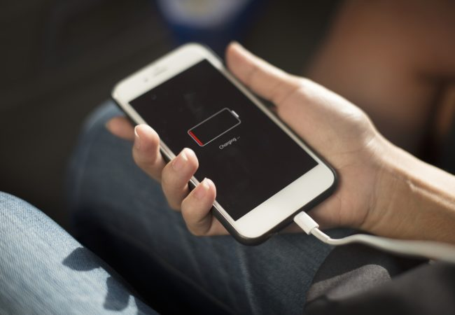 iPhone SE porazil ve výdrži baterie iPhone 7!
